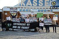 Demonstration gegen Circus Carl Busch