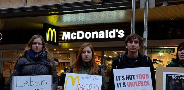 Aktionstag gegen McDonald's und KAUFHOF